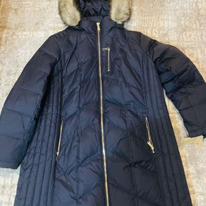 Michael Kors beautiful Winter Coat for Sale in Marysville, WA