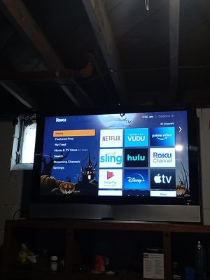 55 inch Roku TV for Sale in Columbus, OH