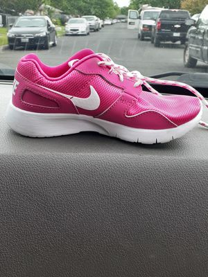 Pink nike shoes for Sale in San Antonio, TX