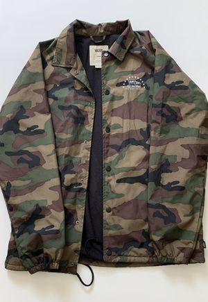 Vans Off The Wall - Camo Jacket for Sale in North Miami Beach, FL