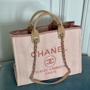 Chanel Pink Tote Bag 38 Cm for Sale in Los Angeles, CA