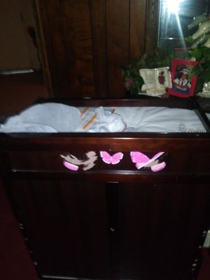Baby's changing table flash crib / toddler bed five in one for Sale in Winter Haven, FL