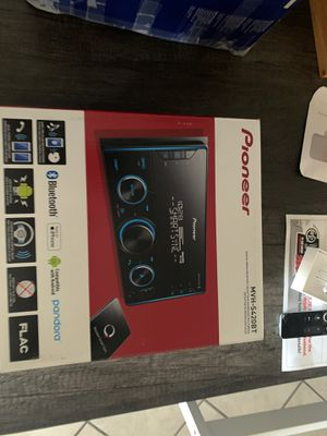 Brand New Pioneer MVH-S420BT Digital media receiver for Sale in Los Angeles, CA