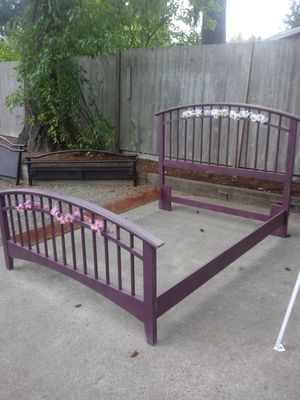 Queen plum bed frame for Sale in Bonney Lake, WA