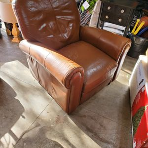 Free Leather Recliner for Sale in Everett, WA