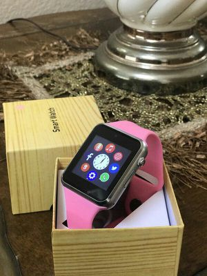 PINK SMART WATCH BLUETOOTH OR SIMCARD FACTORY UNLOCKED/DESBLOQUEADO for Sale in New York, NY
