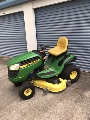 JOHN DEERE D140 HYDROSTATIC TRACTOR 48 INCH RIDING LAWN MOWER for Sale in Clermont, FL