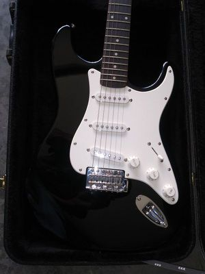 GUITAR STRAT SQUIRE - WITH CASE *EXCELLENT CONDITION for Sale in National City, CA
