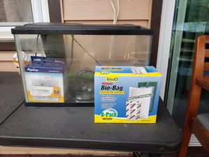 5 gallons fish tank for Sale in Westbury, NY