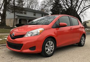 2013 Toyota Yaris LE for Sale in Chicago, IL