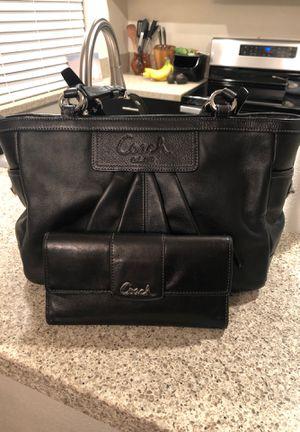 Coach purse and wallet for Sale in El Cajon, CA