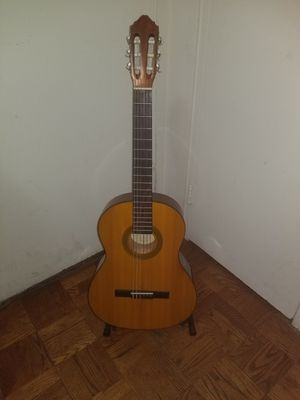 BEAUTIFUL 3/4 SIZE CLASSICAL GUITAR LUCERO LC-100 WITH PADDED CASE for Sale in Philadelphia, PA