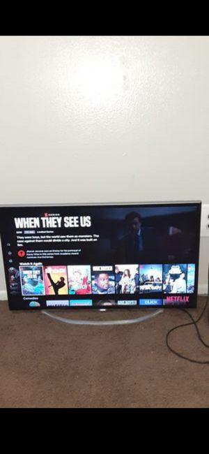 32 inch tv for Sale in Warren, MI