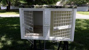 Double dog crate. for Sale in Laurel, DE