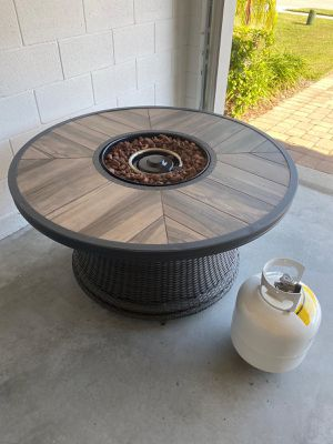 Outdoor Table with fireplace for Sale in Kissimmee, FL