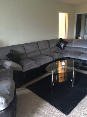 Living room couch and a recliner set for Sale in Alexandria, VA