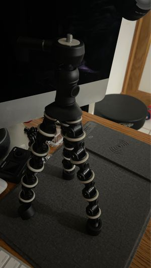 Tripod for any camera and for any phone for Sale in Deer Park, TX