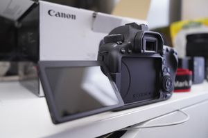 Brand New Canon 6D Mark ii - perfect for Vlogging, cinematography, youtube for Sale in Long Beach, CA