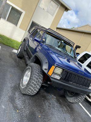 Jeep cherokee xj for Sale in Miami, FL