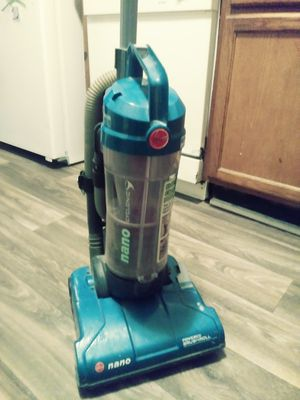 Hoover Nano bagless Vacuum Cleaner for Sale in Duluth, GA