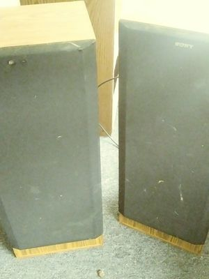 Sony SS-U307 floor speakers for Sale in Baltimore, MD