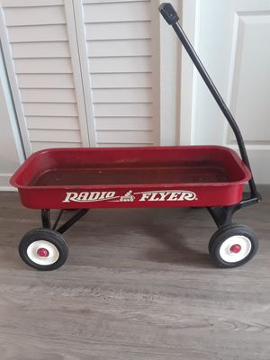 Vintage Radio Flyer 89 wagon 34 inch...very good conditions for Sale in Oakland Park, FL