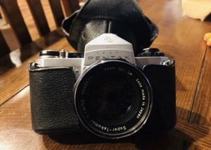 Vintage Pentax SV 35mm SLR Film Camera With Case In Great Condition for Sale in Rancho Cucamonga, CA