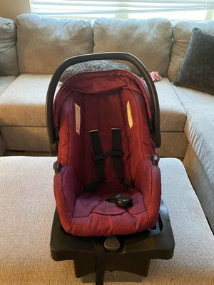 urbini car seat for Sale in Denton, TX