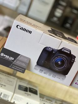 Canon 80D new for Sale in Los Angeles,  CA