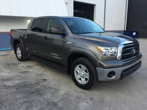 TOYOTA TUNDRA CREWMAX 2011 for Sale in Doral, FL