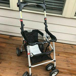 Graco car seat carrier / stroller for Sale in Cumming, GA