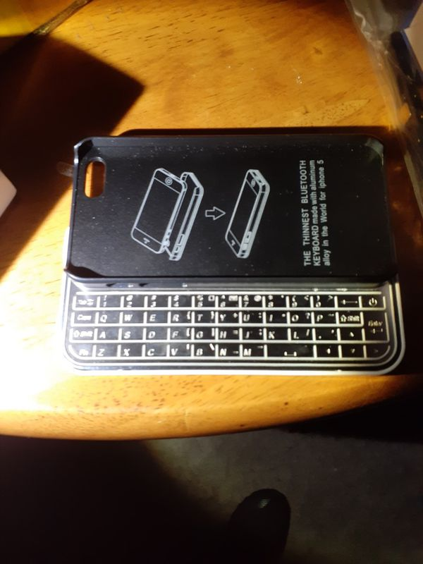 iPhone 5 bluetooth keyboard case