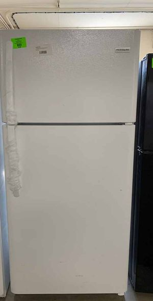 Frigidaire refrigerator!! All new with warranty 8HI7A for Sale in Houston, TX