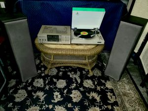 Vintage Hi-Fi Stereo with Unique Turntable for Sale in Las Vegas, NV
