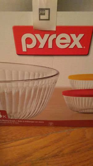 New Pyrex glass mixing bowls. 8 pc. Tazones mezclar for Sale in Wheaton, MD