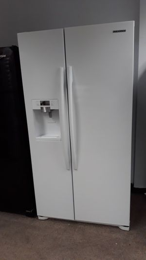 Samsung white French doors refrigerator excellent condition for Sale in Laurel, MD