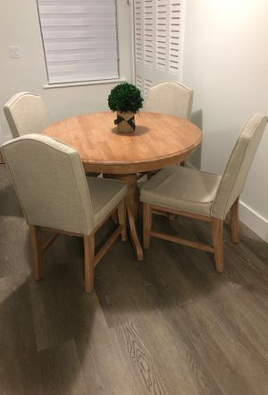 Dining table set for Sale in Hialeah, FL