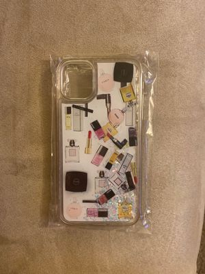 """iPhone 11 case with """"floating"""" make-up, SUPER CUTE!! for Sale in Hemet, CA"""