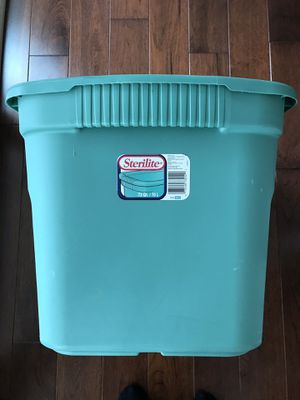 Storage tote - 18 gallon, with lid for Sale in Potomac Falls, VA