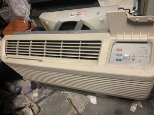 Amana ptac unit 11500 btu ac and heat 220 power source for Sale in Canutillo, TX