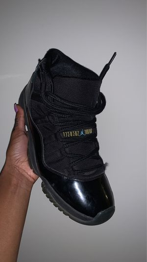 8.5 AIR JORDAN 11 RETRO GAMMAS for Sale in Suitland-Silver Hill, MD