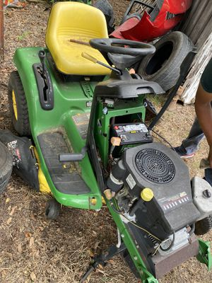 John Deere tractor, good engine is missing the rear tires for Sale in Grand Prairie, TX