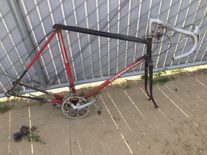 Schwinn Road Bike for Sale in Fowler, CA