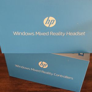 Windows HP mixed reality headset & controller for Sale in Bellevue, WA