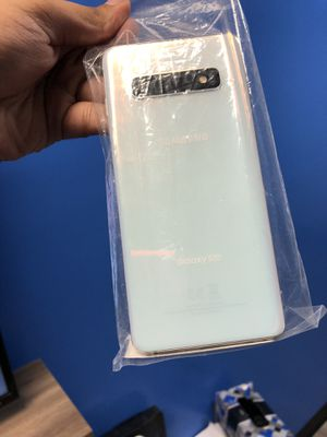 Samsung Galaxy s10 factory unlocked for Sale in Dallas, TX