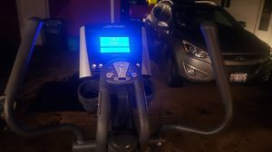 Life Fitness X3 Elliptical - Home Gym - Weights - Exercise - Workout Equipment for Sale in Rolling Meadows, IL