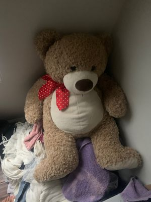 Giant teddy bear for Sale in Charlotte, NC