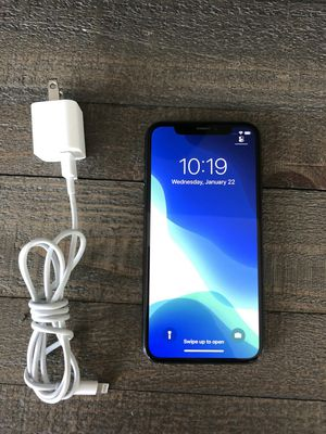 iPhone X - 64 GB Black Factory Unlocked for Sale in Los Angeles, CA