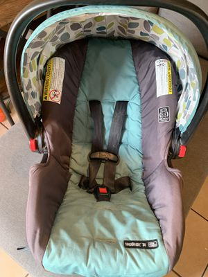 Graco snugride 30 car seat for Sale in Montclair, CA