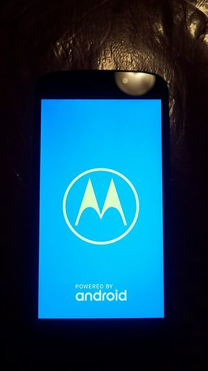 Cricket o at&t. Motorola phone for Sale in San Diego, CA